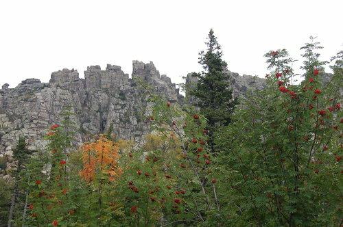 Осеннее настроение в скалах Таганая