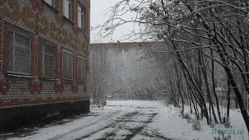Фото города Инта №6051  Северо-западный угол Дзержинского 27а и часть дома по Мира 29 08.10.2013_12:43