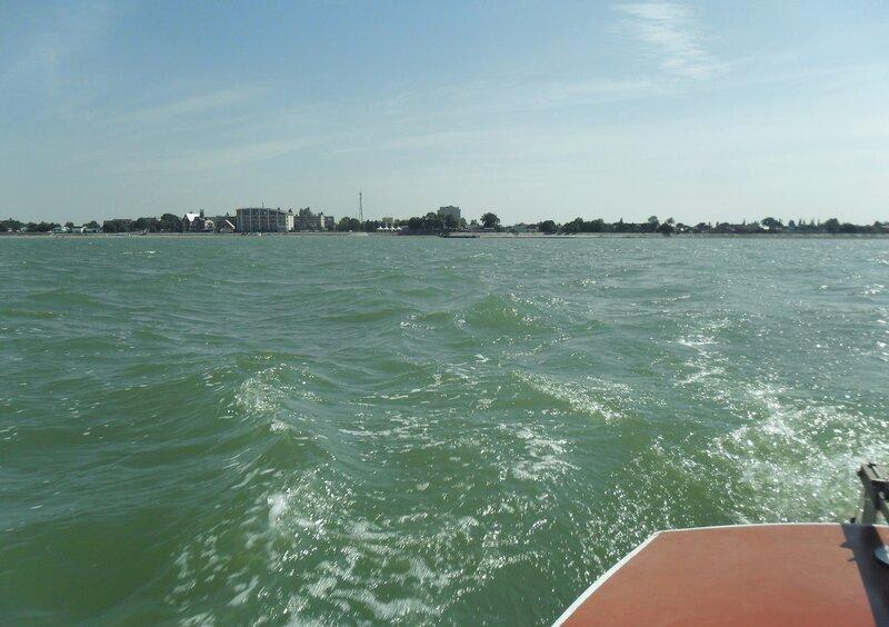 В море, солнечный день сентября