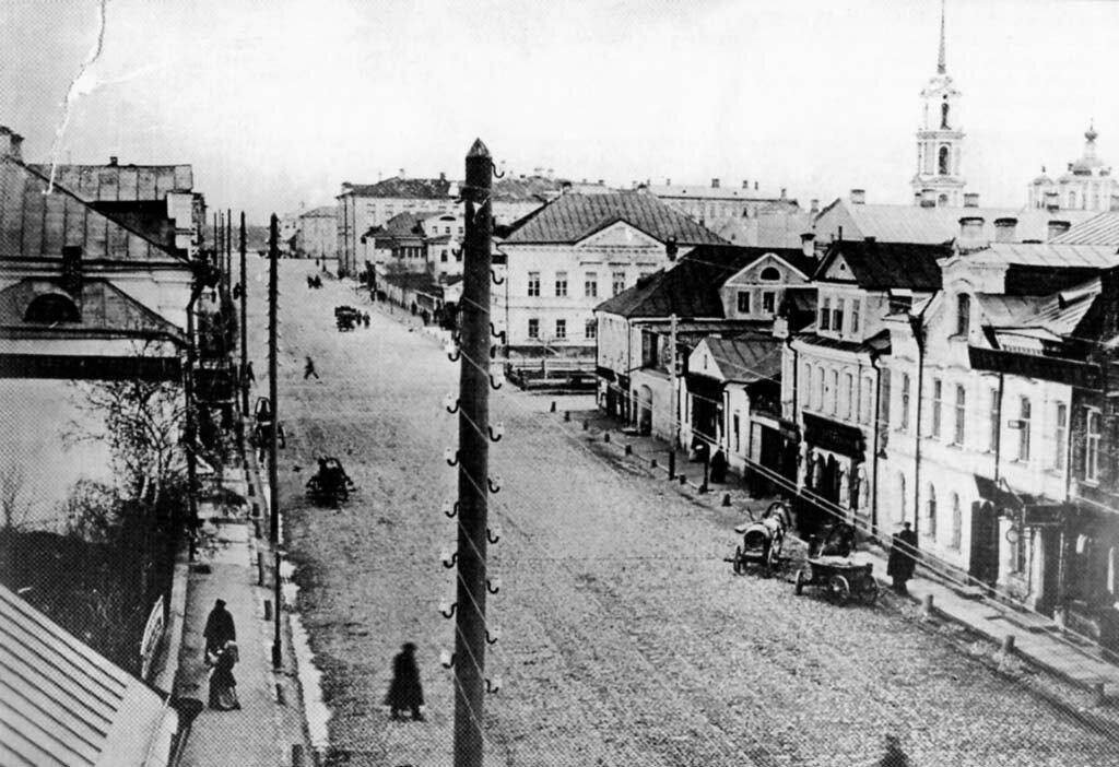 Трёхсвятская. Перекрёсток с бульваром. 1890