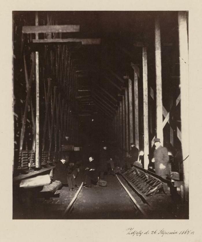 Леса во время строительных работ.1964
