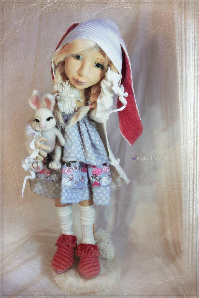 Zoi и зайка. Интерьерная текстильная кукла с игрушкой из шерсти.