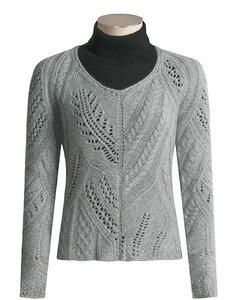 Коллаж узоров от «Kinross». Серый пуловер спицами