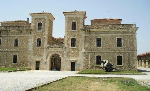 крепость в Фигерас