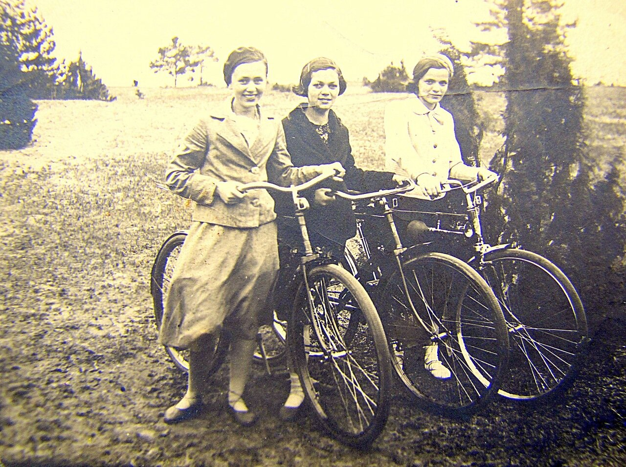 1936. Катание на велосипедах