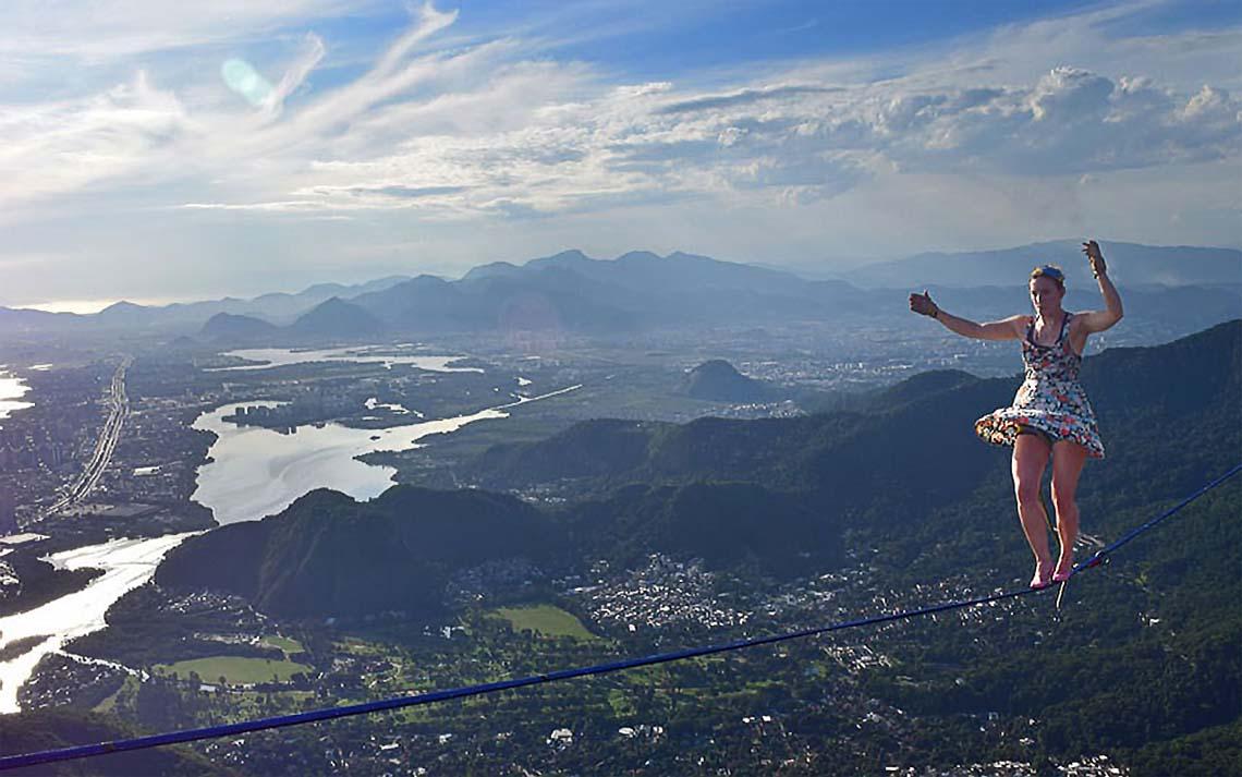 Faith(Вера) Dickey в розовых каблучках. 840 метров над Рио-де-Жанейро