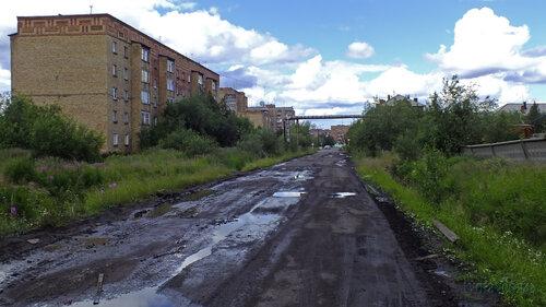Фото города Инта №5089  Юго-восточный угол Дзержинского 1 14.07.2013_12:54