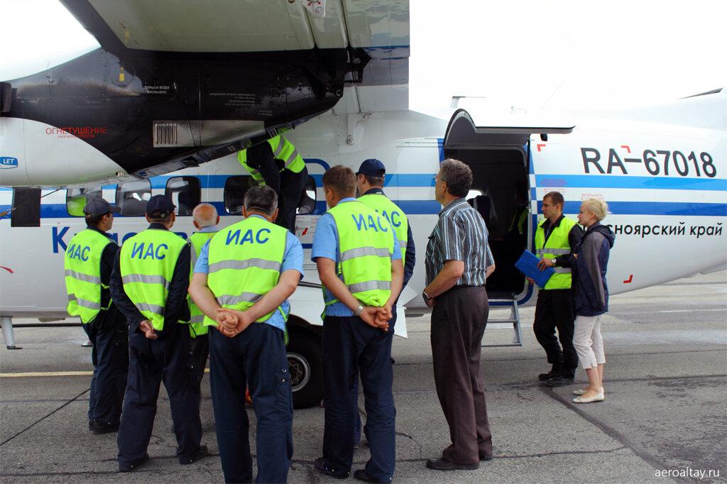 Обслуживание самолёта в аэропорту Барнаула