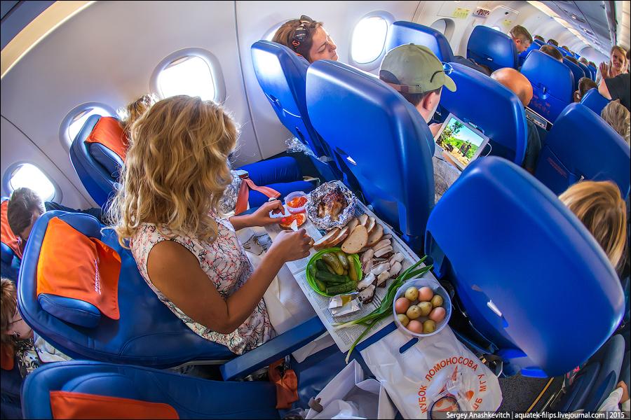 Почему еда меняет вкус на борту самолета...