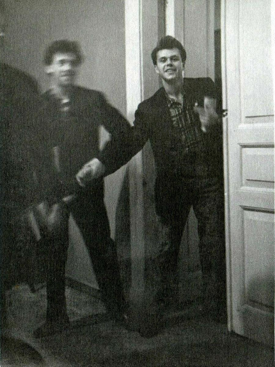 1960. Владимир Высоцкий и Валентин Буров в школе-студии МХАТ