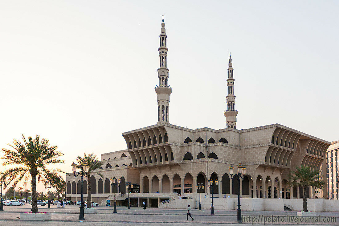 Мечеть короля Фейсала King Faisal Mosque шарджа ОАЭ sharjah UAE