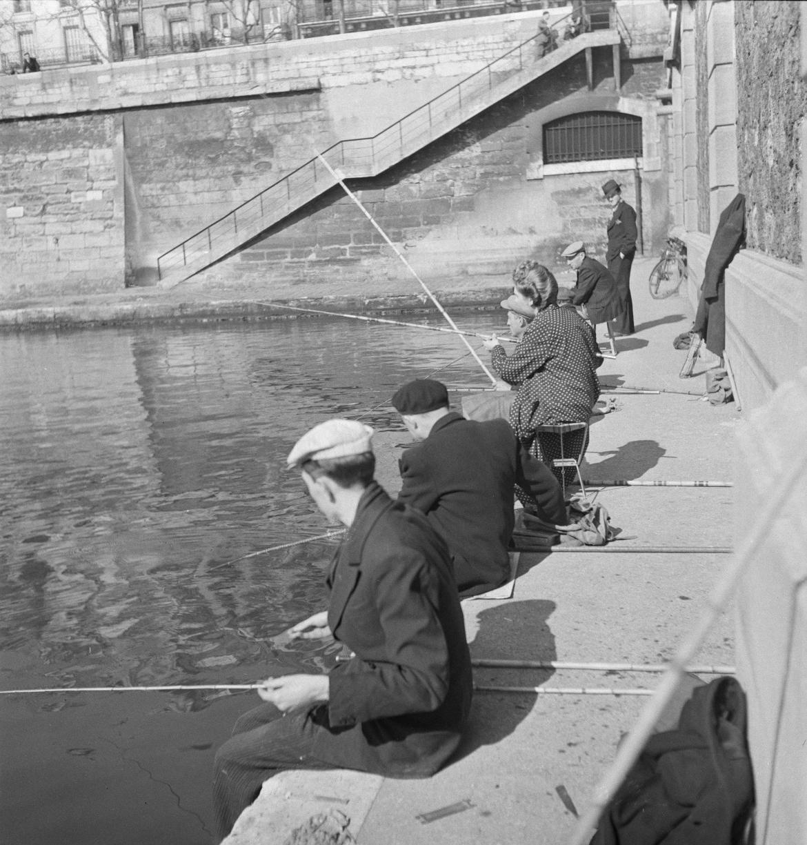 Парижское воскресенье. Рыбаки