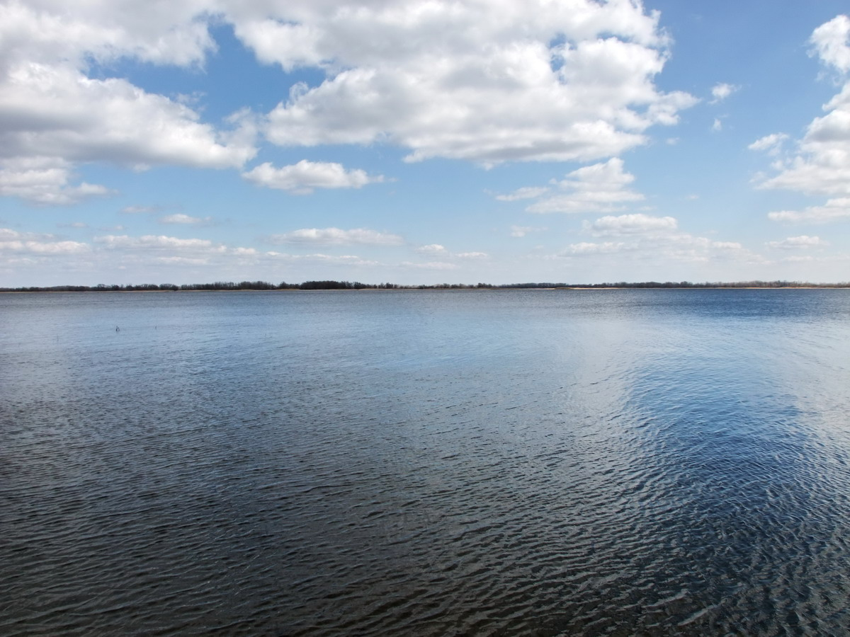 Волга в апреле