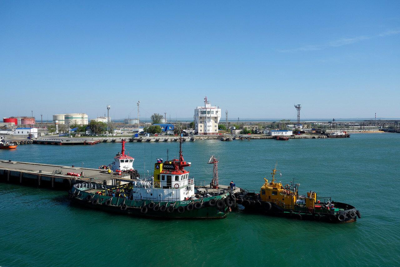 Хохол, порт-кавказ