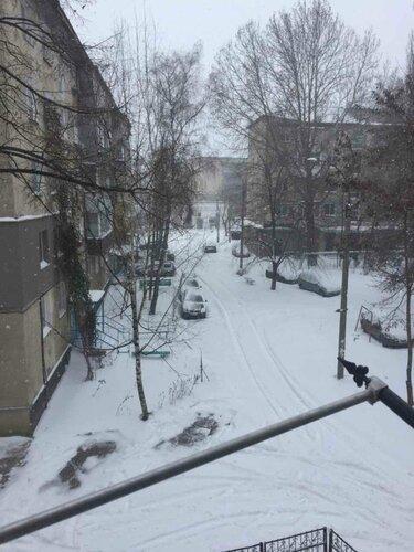 """Чистят ли дороги от снега в Бельцах? - """"Нет не слышали"""""""