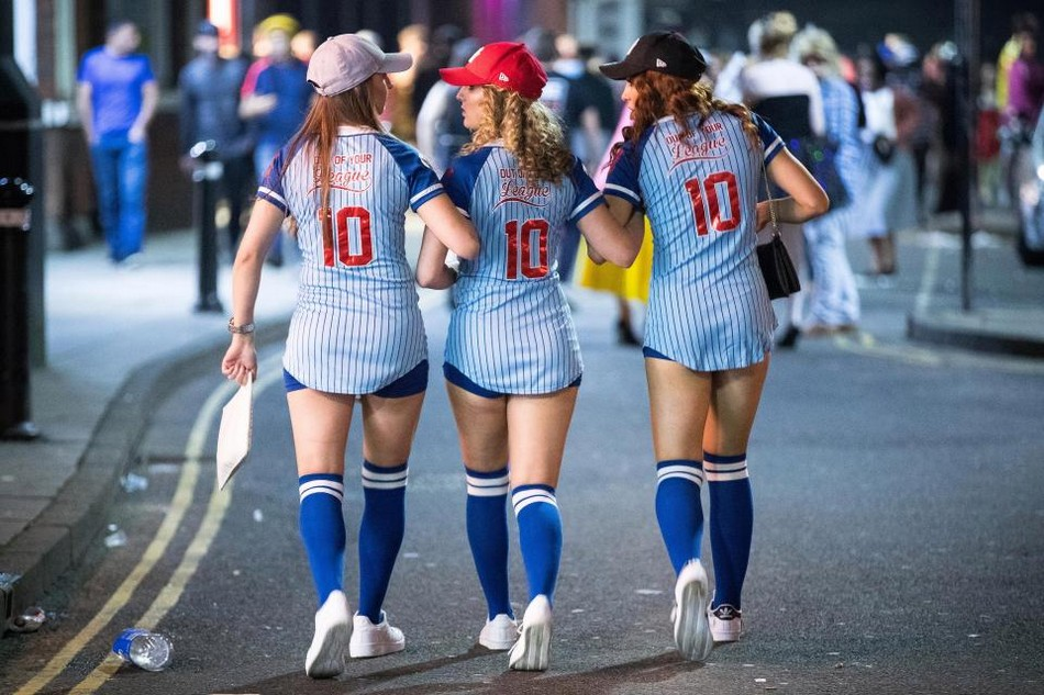 Костюмированный парад «День подарков» в Великобритании