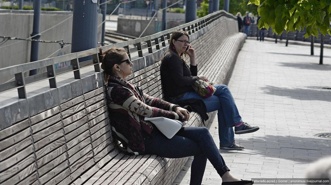 Скамейки и люки Будапешта