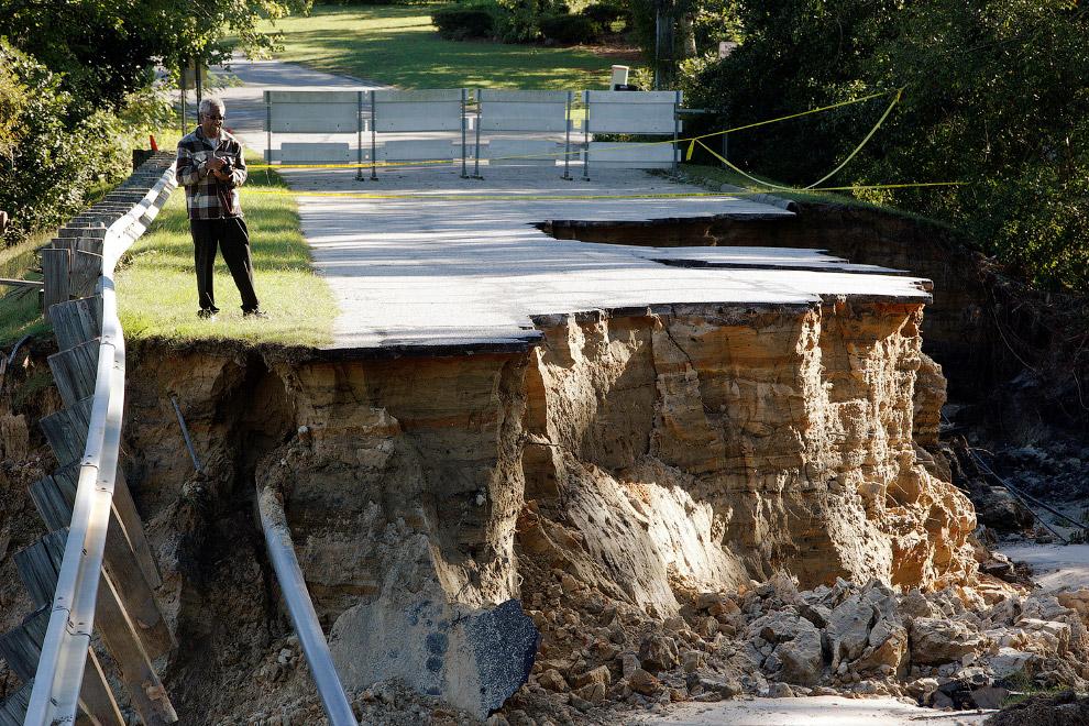 17. Затопленный квартал в Северная Каролине, 10 октября 2016. (Фото Sean Rayford):