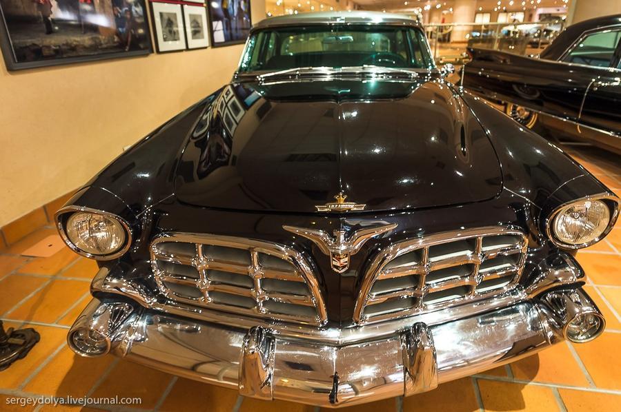 35. Chrysler Imperial 1956 года.