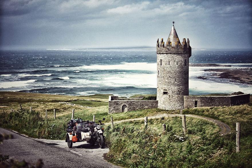 14. Замок Дунагор в Ирландии
