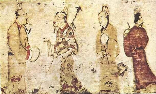 В течение своего почти 200-летнего существования династия Восточная Хань пережила смену разных п