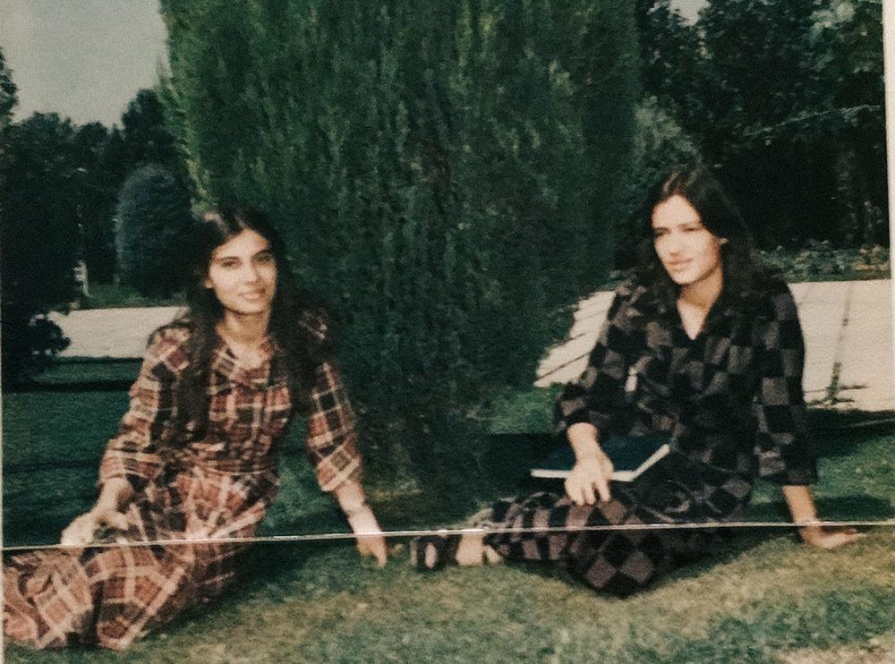 Тегеран в середине 70-х. «Я наткнулась на эту фотографию, когда была в Иране. Справа моя 18- или 19-