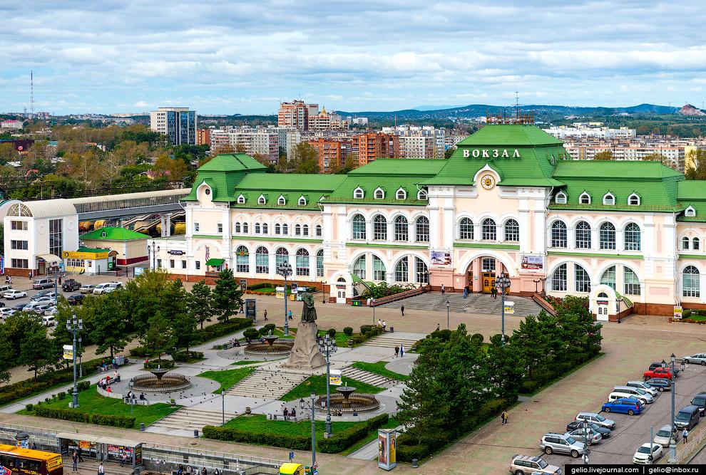 23. В конце XIX века свежеустроенная станция Хабаровск имела всего шесть путей. Сегодня путевых