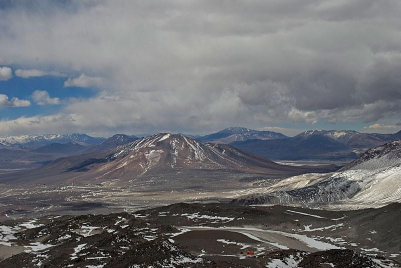 6. Порой температура возле Охос-дель-Саладо понижается до -25 градусов по Цельсию. А лагуны, имеющие