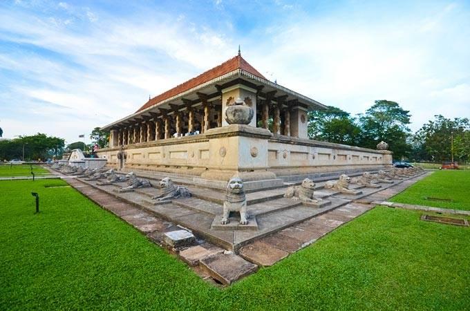2. Мемориальный зал Независимости В 1948 году Шри-Ланка получила долгожданную независимость от Велик