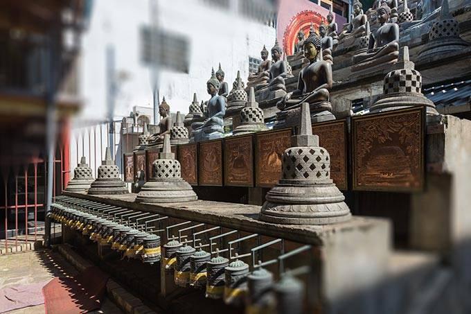 5. Озеро Бейра Вы не пропустите озеро Бейра — храм Гангарама расположен на одном из его берего