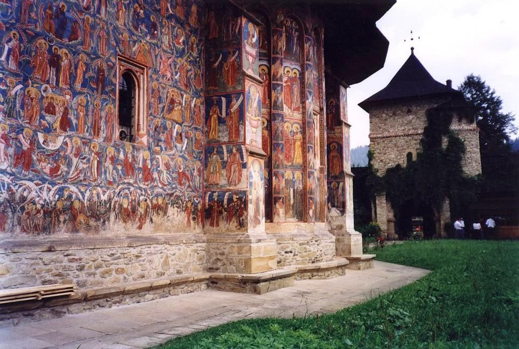 Рареш был турецким вассалом, который унаследовал от отца любовь к строительству религиозных сооружен