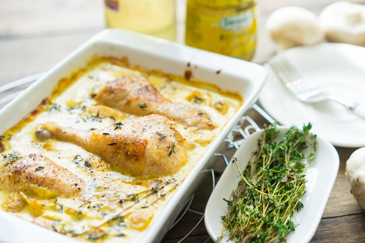 Курица в горчичном соусе Ингредиенты: сливочное масло — 30 г оливковое масло — 10 г голень курицы —