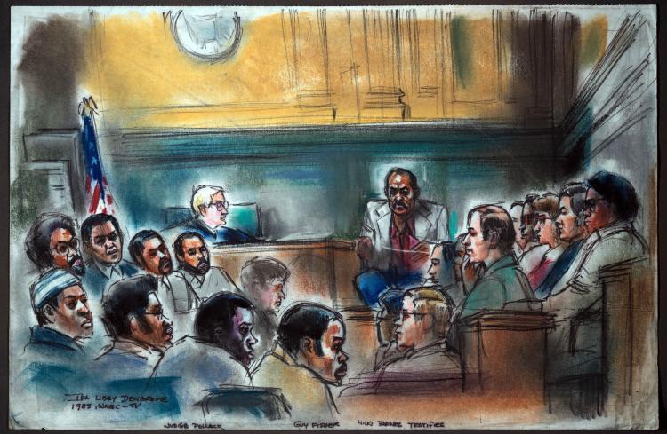 Ники Барнс дает показания в суде. На скамье обвиняемых — члены «Совета» и бывшие друзья Барнса. Рису
