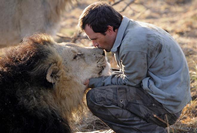 16 фотографий, доказывающих, что человек может подружиться с любым животным (32 фото)