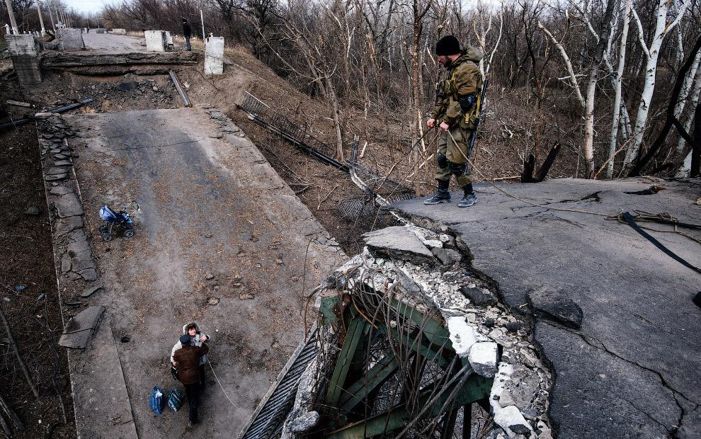 3. Кладбище в Донецке. (Фото Marko Djurica   Reuters):