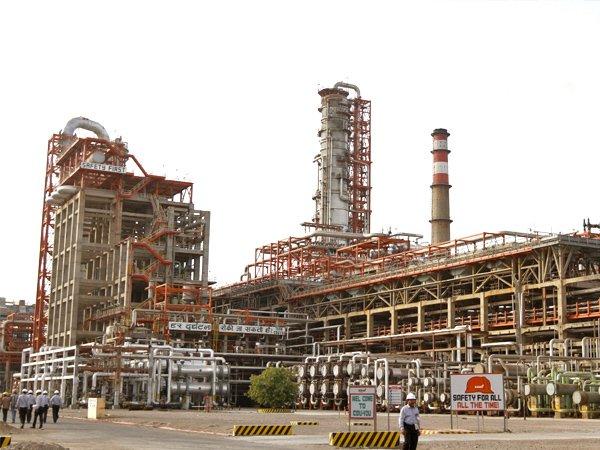 Костин: ВТБ предоставит индийской Essar 3,9 млрд долларов нареструктуризацию долга