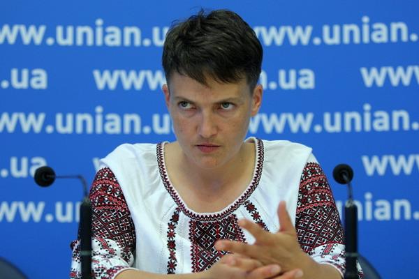 Савченко некомментирует встречу сбоевиками, однако выйдет сзаявлением