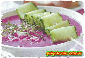Свекольный суп-пюре с брынзой
