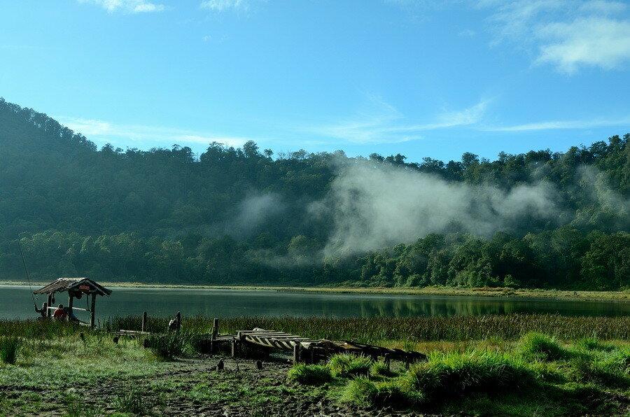 Озеро Таман Хидуп