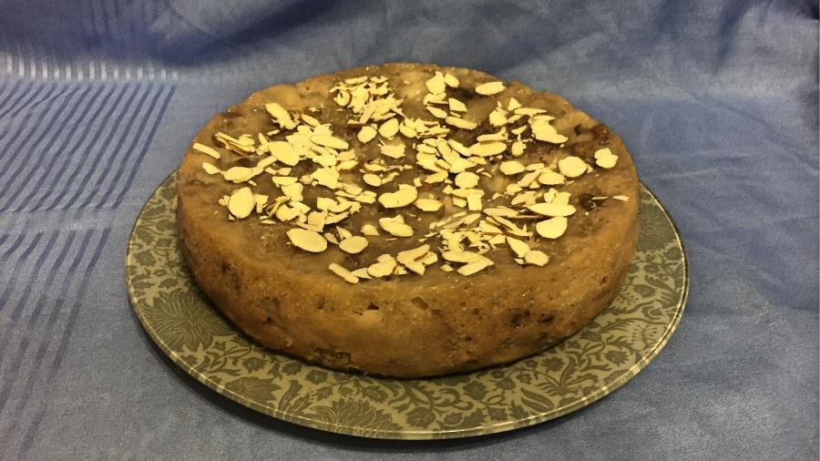 Постный грушево-медовый пирог
