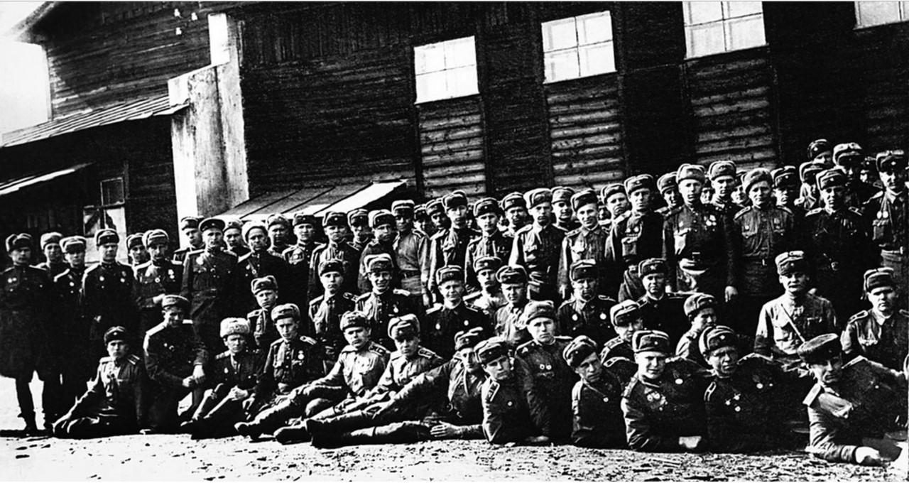 Челябинск. Кировский завод Наркомата танковой промышленности (ЧТЗ). 1942