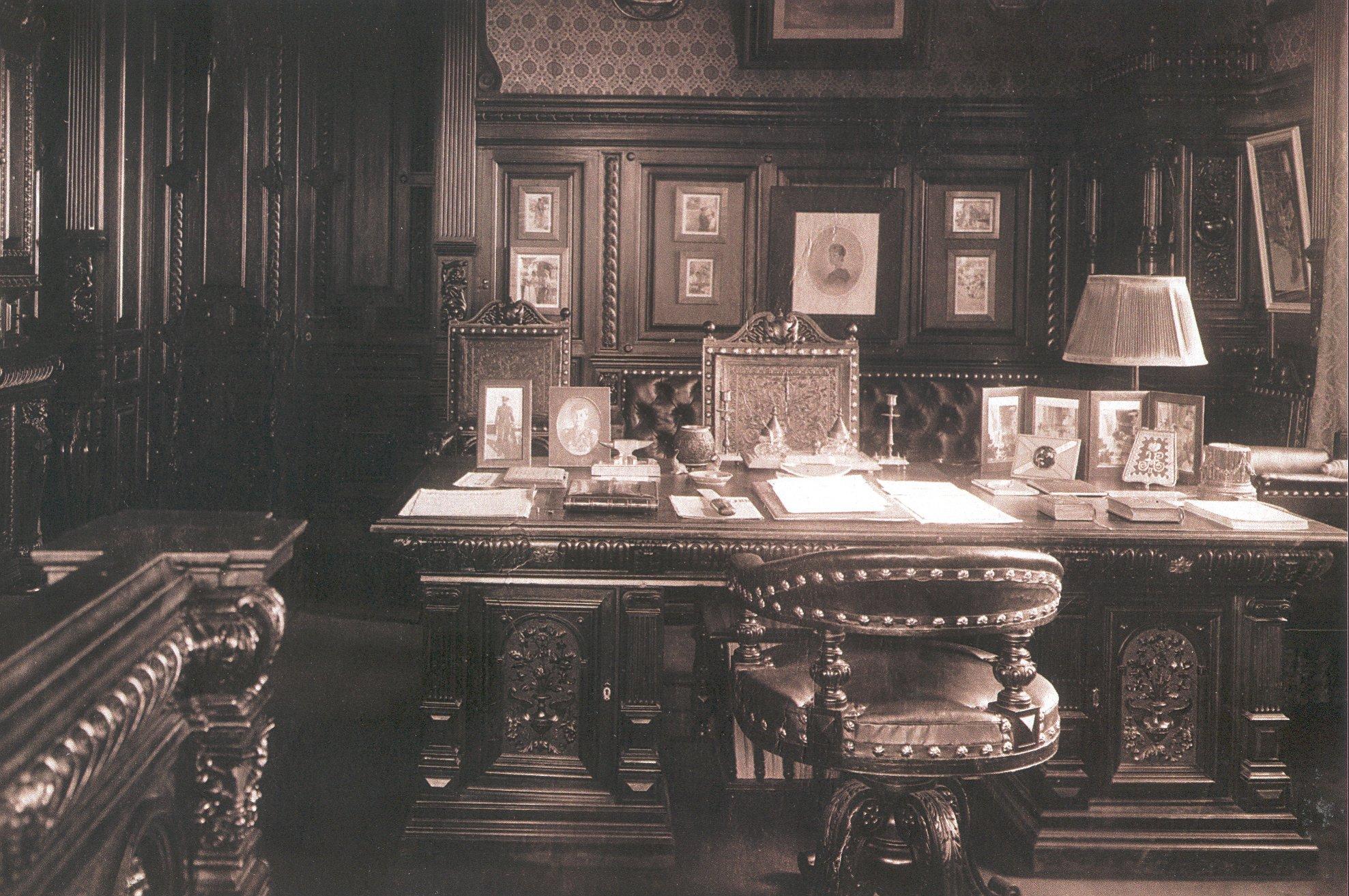 Нижняя дача. Кабинет Николая II