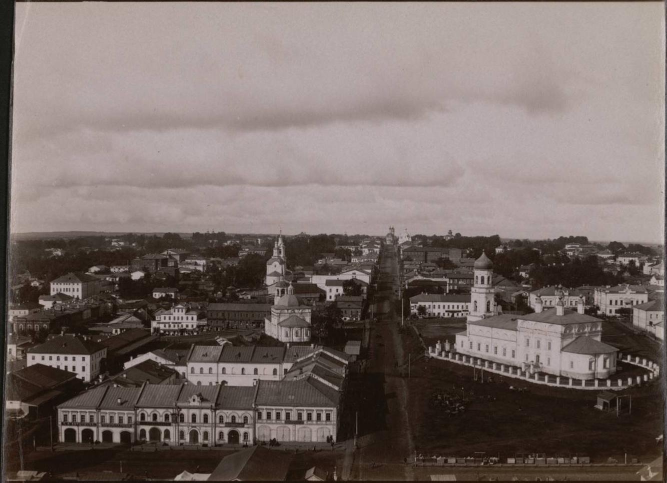Вид на запад с колокольни Троицкого кафедрального собора