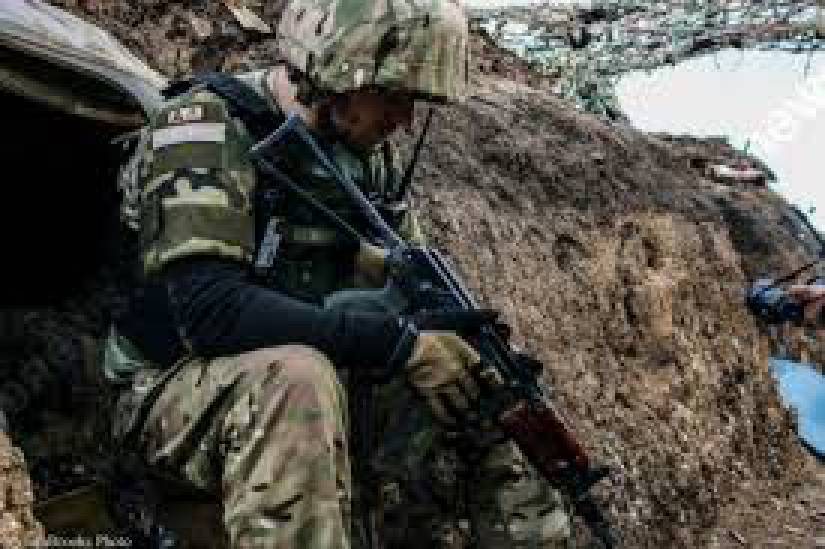 За минувшие сутки наши позиции были 56 раз обстреляны боевиками. Столкновения с оккупантами состоялись в близи Николаевки и Богдановки, а неподалеку от Марьинки работал снайпер, - штаб АТО