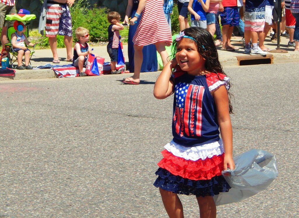 Индейцы празднуют День независимости.