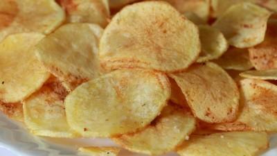 Ингредиенты :   — 1 картошка; — различные приправы по вкусу (необязательно). Порежьте
