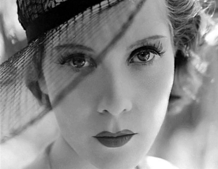 Королева Парижа. В 1930-х Натали начала сниматься в кино. Она знала, как выглядеть на экране эффектн