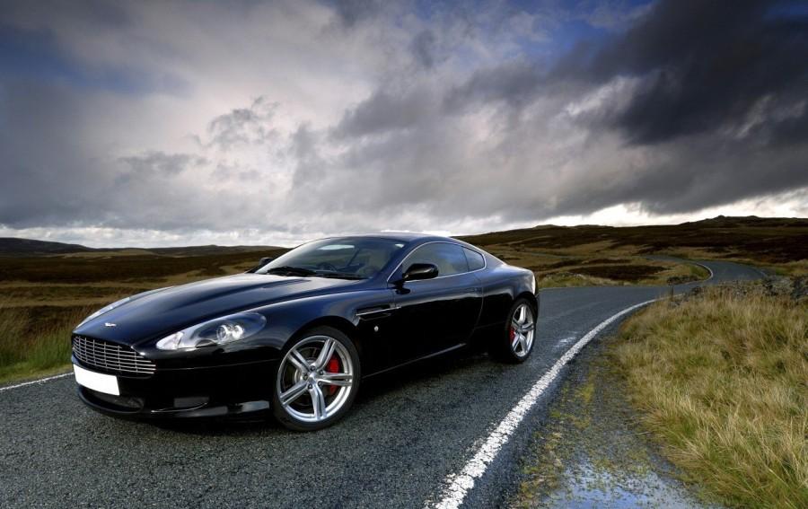 16. «Aston Martin DB9»: годы выпуска с 2004 по 2011 Разработку нового автомобиля компания доверила л