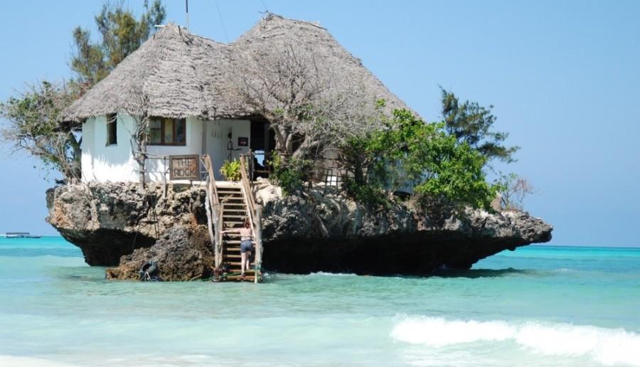 8. The Rock, Танзания Этот ресторан придется по душе тем, кто любит уединение и романтику. Оно наход