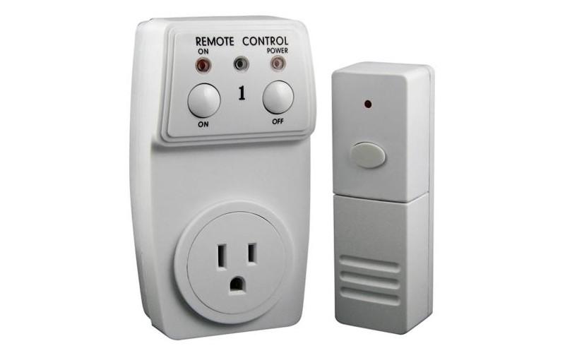 5. Выключатель с пультом Пульт, позволяющий включать и выключать свет, не вылезая из постели.